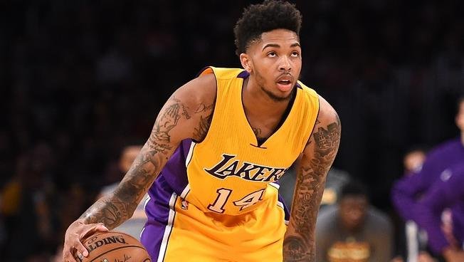 brandon-ingram-knee-injury-10-28-16