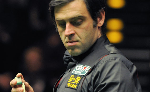 Ronnie_O'Sullivan_and_Michaela_Tabb_at_German_Masters_Snooker_Final_(DerHexer)_2012-02-05_06_cropped